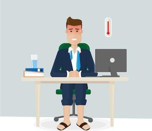 Jakie prawa przysługują pracownikowi, gdy temperatura przekracza 25°C?
