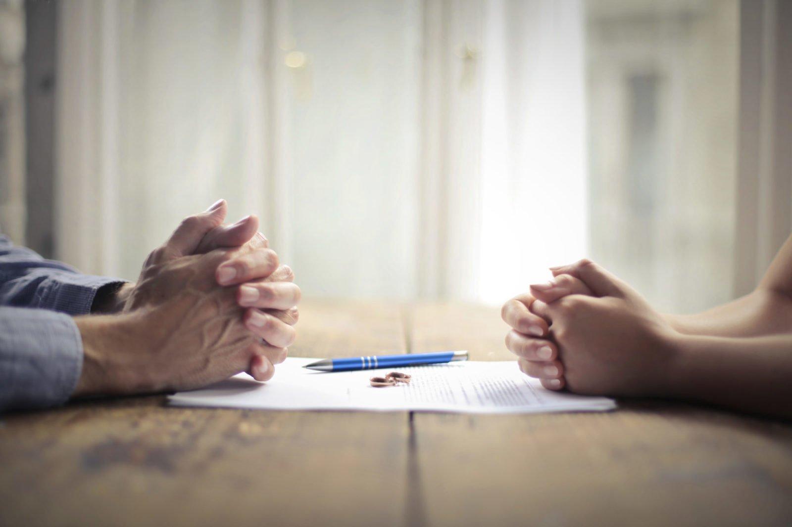 Czy Polacy na stałe mieszkający za granicą mogą rozwieść się w Polsce?
